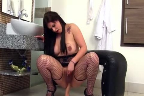 naughty large Thiick A$$ chick Toying